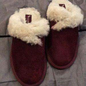 Koolaburra slippers size 9